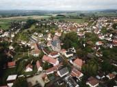 Drohnenbild auf Schloss und Marktplatz