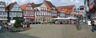 Celle: zentraler Platz mit Fachwerkfassaden