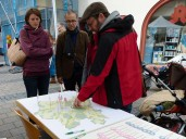 Ansbach: aktive Bürger beim Marktstand am 27.09.2017
